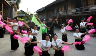 """Trình UNESCO hồ sơ """"Nghệ thuật xòe Thái"""" và """"Nghệ thuật làm gốm của người Chăm"""""""