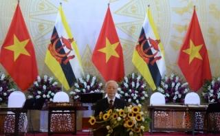 Tổng Bí thư, Chủ tịch nước mở tiệc chiêu đãi Quốc vương Brunei