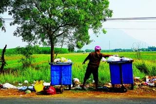Người dân nông thôn chưa quan tâm phân loại rác thải