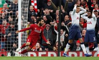 Liverpool hạ Tottenham để trở lại đỉnh bảng