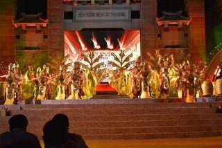 Gần 3 triệu lượt khách tham quan Khu Tưởng niệm các Vua Hùng