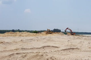 """Giá cát lại tăng """"do tin đồn"""" khan hiếm"""