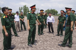 Quân khu 7 khảo sát vị trí xây dựng cụm dân cư liền kề chốt dân quân biên giới