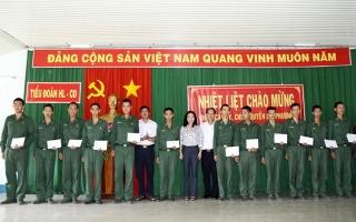 TP.Tây Ninh: Thăm, động viên chiến sĩ mới tại Tiểu đoàn Huấn luyện – Cơ động