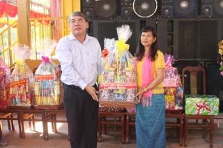 Phó Chủ tịch HĐND tỉnh chúc Tết cổ truyền người dân Tà Mun