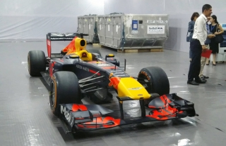 Giá xe đua F1 mua được bao nhiêu chiếc Rolls-Royce Cullinan tại Việt Nam?
