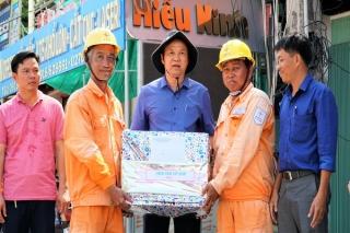 Phó Chủ tịch UBND tỉnh thăm các đơn vị thi công tuyến đường 30.4