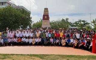 Trung tâm VHNT Tây Ninh: Thăm và biểu diễn phục vụ cán bộ chiến sĩ Trường Sa