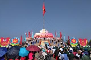 Long trọng Lễ thượng cờ Thống nhất non sông bên dòng Bến Hải