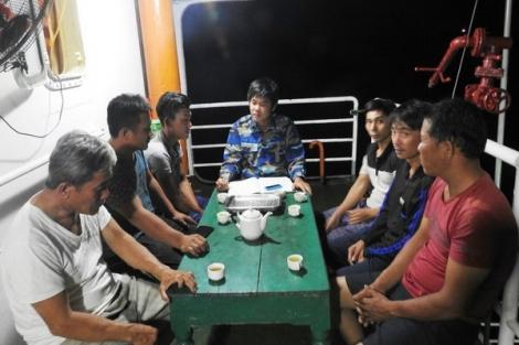 Tàu 904 kịp thời cứu 6 ngư dân bị nạn