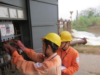 Yêu cầu EVN giải đáp đầy đủ thắc mắc của khách hàng về hóa đơn tiền điện