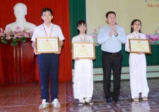 Gần 400 học sinh đạt giải thưởng Lê Quý Đôn