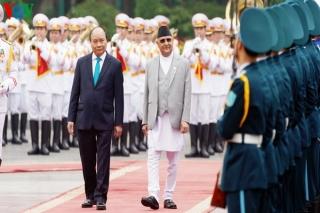 Thủ tướng chủ trì lễ đón Thủ tướng Nepal Khadga Prasad Sharma Oli
