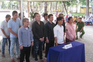 Tân Biên: Xét xử lưu động 12 bị cáo về tội cờ bạc