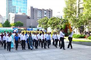 Lãnh đạo Thành phố Hồ Chí Minh dâng hương tưởng niệm Bác Hồ