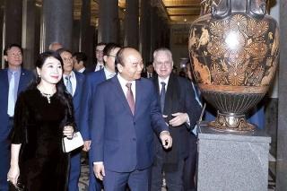 Thủ tướng Nguyễn Xuân Phúc thăm TP Saint Petersburg