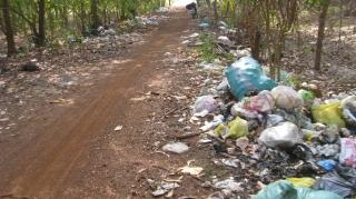 Tân Biên: Rác thải tràn lan trong khu quy hoạch