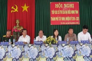 Đại biểu HĐND tỉnh tiếp xúc cử tri trước kỳ họp 12