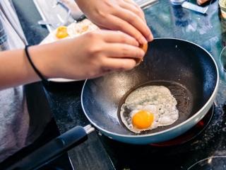 Người không bị bệnh tim mạch có thể ăn trứng mỗi ngày