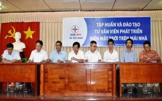 Điện lực TP.Tây Ninh: Chi trả tiền điện mặt trời cho người dân