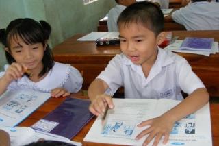 Chính thức giao UBND cấp tỉnh chọn sách giáo khoa