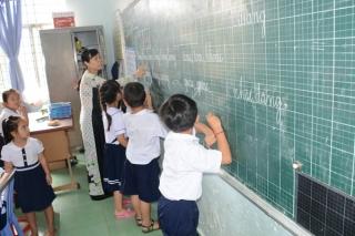 Giáo viên khổ vì được học xét thăng hạng