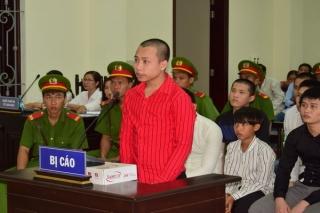 Xét xử nhóm thanh niên dùng rựa chém chết người ở Tân Châu