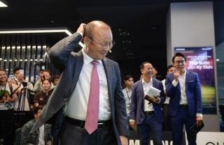 Việt Nam sẽ đồng đăng cai World Cup 2034?; Thầy Park không vội gia hạn hợp đồng với VFF