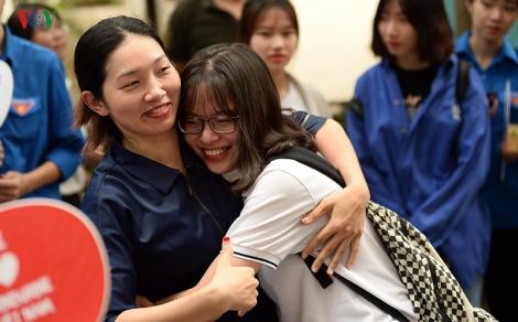 Thi THPT Quốc gia: Thí sinh vui mừng sau khi hoàn thành tốt môn Văn