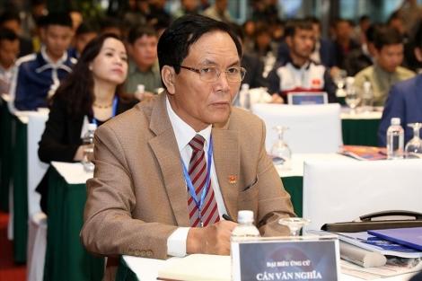 Phó Chủ tịch phụ trách tài chính VFF Cấn Văn Nghĩa từ chức