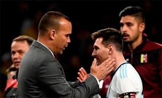 HLV Venezuela: 'Đã tới lúc cạnh tranh, thay vì ngưỡng mộ Messi'