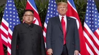 Tổng thống Trump mời Chủ tịch Triều Tiên gặp thượng đỉnh tại Khu phi quân sự