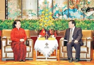 Chủ tịch Quốc hội Nguyễn Thị Kim Ngân tiếp Bí thư Tỉnh ủy Giang Tô (Trung Quốc)