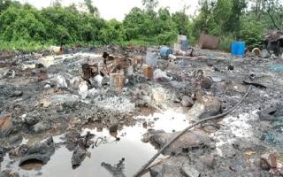 Cần làm rõ một hoạt động liên quan đến hóa chất và xả rác quy mô lớn ra môi trường