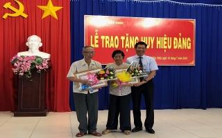 Thành uỷ Tây Ninh: Trao huy hiệu Đảng cho 28 đảng viên