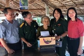 Thăm, tặng quà Mẹ VNAH huyện Châu Thành