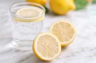 Ăn cay nên uống nước gì giảm cay?