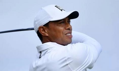 Tiger Woods bị cắt loại tại The Open