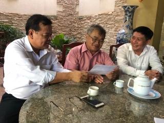 Chủ tịch UBND tỉnh thăm gia đình cán bộ hưu trí, chính sách