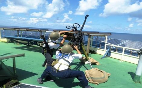 """Những """"pháo đài thép"""" kiên cường bám biển"""