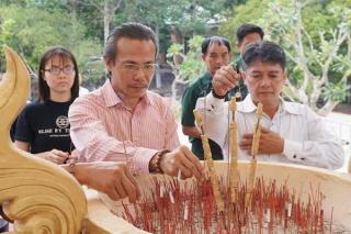 Hội Doanh nhân trẻ Tây Ninh thăm Đồn Biên phòng Lò Gò