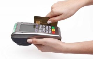 Sẽ xử lý nghiêm việc rút tiền mặt qua thẻ tín dụng