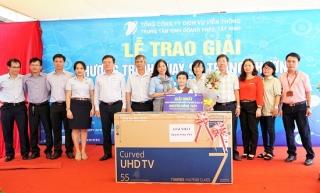"""VNPT trao thưởng chương trình """"Chào mừng lễ 30.4 và 1.5"""""""