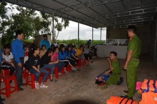 Tân Châu: Tuyên truyền Luật Giao thông đường thủy và hướng dẫn sơ cấp cứu khi bị đuối nước
