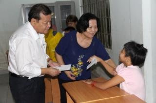 Chủ tịch UBND tỉnh thăm Trung tâm nuôi dưỡng và phục hồi chức năng cho NNCĐDC/dioxin Tây Ninh