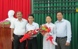 Chi bộ Trường THPT Nguyễn Chí Thanh: Kết nạp Đảng cho học sinh lớp 12