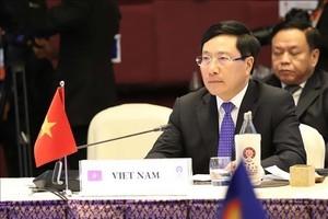 Phó Thủ tướng Phạm Bình Minh tham dự Lễ kỷ niệm 52 năm thành lập ASEAN tại Jakarta
