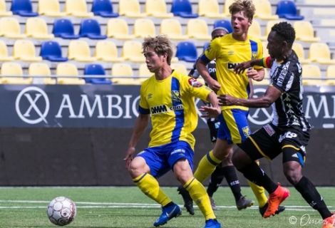 Công Phượng bị gạt khỏi danh sách thi đấu ở Sint-Truiden