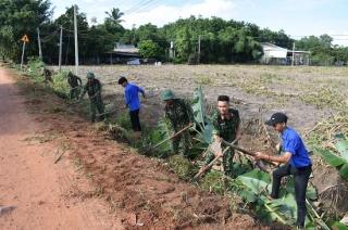 Xã Phan: Người dân hiến đất, làm đường cùng bộ đội