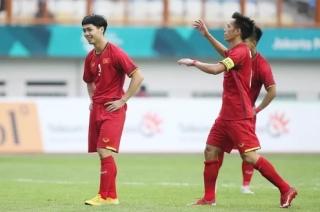 Văn Quyết bị loại, Công Phượng lên đội tuyển Việt Nam